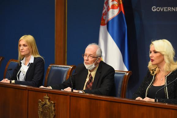 Infektolog Ivana Milošević, epidemiolog Predrag Kon i zamenica direktora instituta
