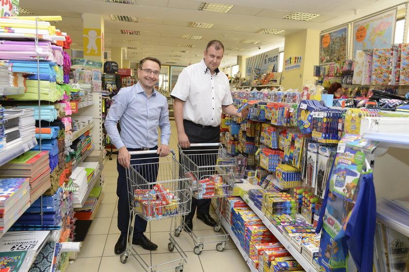 VIPy kupują dzieciom wyprawki. Akcja wrocławskiego Faktu i MOPS-u. Miejscy radni Prawa i Sprawiedliwości