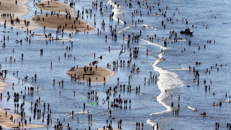Ludzie jak robaczki, morze jak kałuża