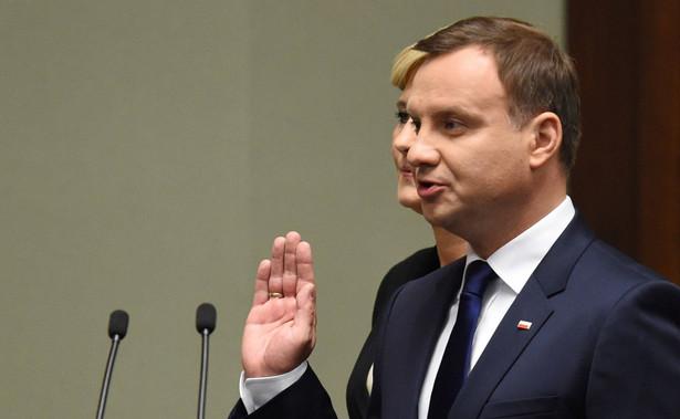 Pytany o krytykę prezydenta ze strony polityków PiS ocenił, że to dowód na właściwe wypełnianie przez niego funkcji