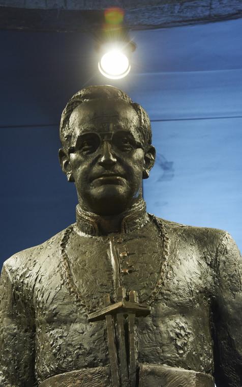Pomnik prałata Henryka Jankowskiego