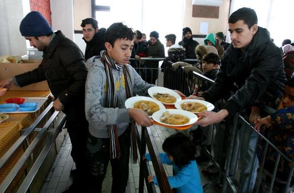 Migranti u prihvatnom centru