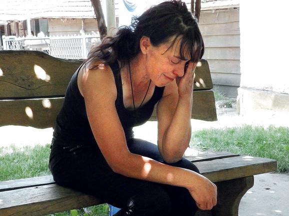 Lozica Basailović: Očajna majka brutalno ubijenog mladića Milana  Basailovića (28)