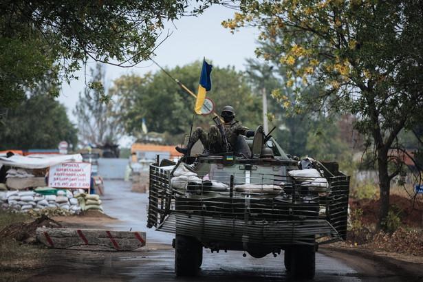 Separatyści i Rosjanie atakowali Ukraińców niemal 300 razy. Fot. EPA/ROMAN PILIPEY