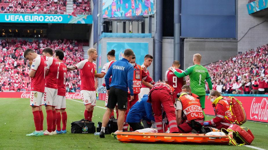 Christian Eriksen przez kilkanaście minut był reanimowany na murawie