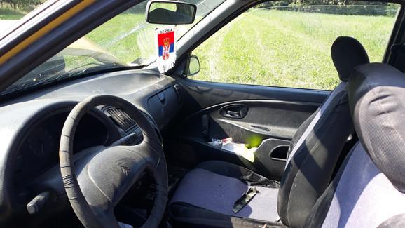 Automobil u kojem se na mestu suvozača nalazila Suzana