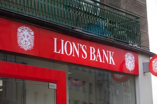Bank Czarneckiego namawiał na ryzykowne inwestycje w zakup lokali pod wynajem. Setki osób straciło pieniądze