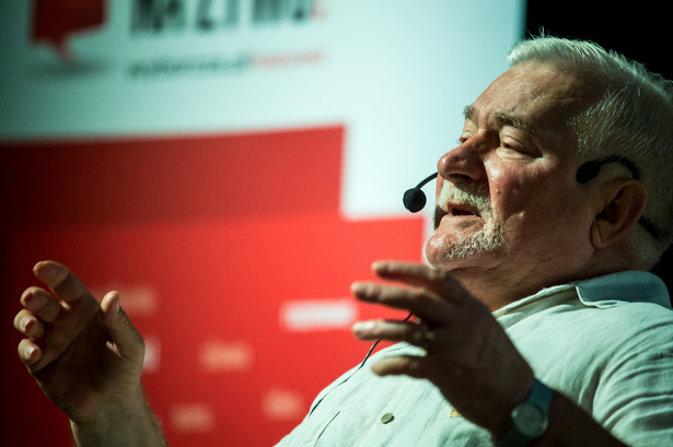 Były prezydent Lech Wałęsa podczas spotkania z mieszkańcami Bydgoszczy w Miejskim Centrum Kultury