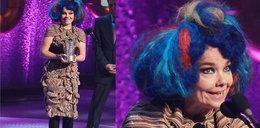Niebieskie włosy Bjork. A jaka kreacja!
