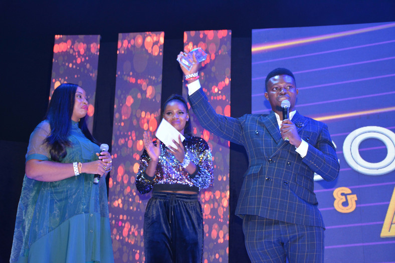 Pa Sunday Omobolanle, Aka Papi Luwe And Others, Honored At 2019 Naija FM Comedy Jam And Award Night