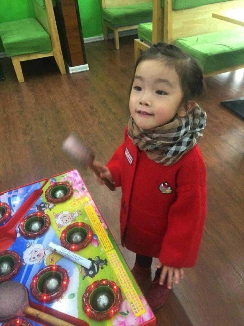Chiny. Śmierć  6-letniej Gou Jintong w przedszkolu w Huadian