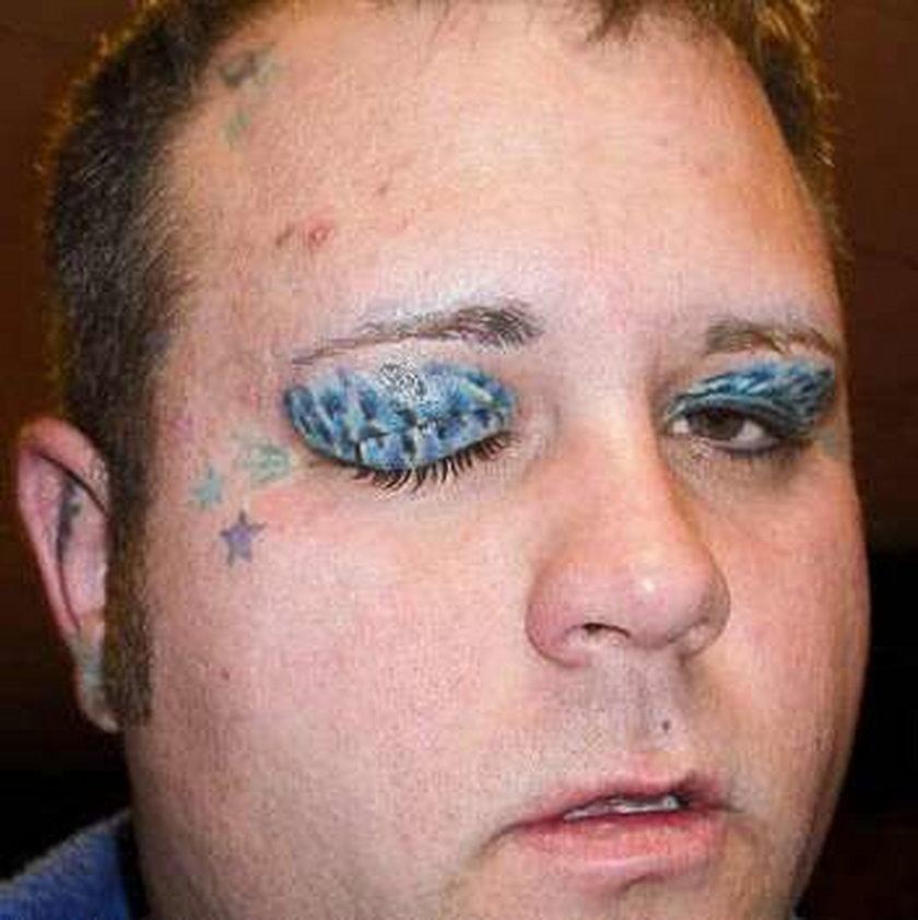 tatuaż, dziwoląg, idiota, dziara