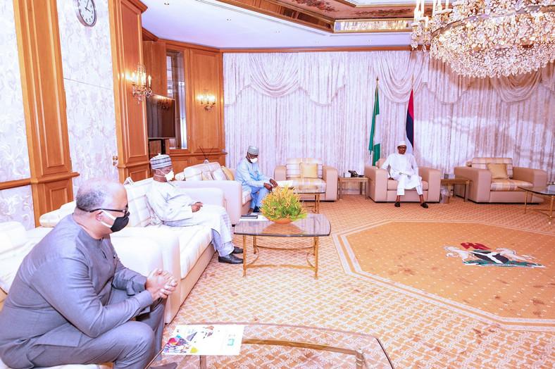 President Muhammadu Buhari receives the Presidential Task Force on COVID-19 at his residence in Aso Rock Villa, Abuja. [Twitter/@BashirAhmaad]