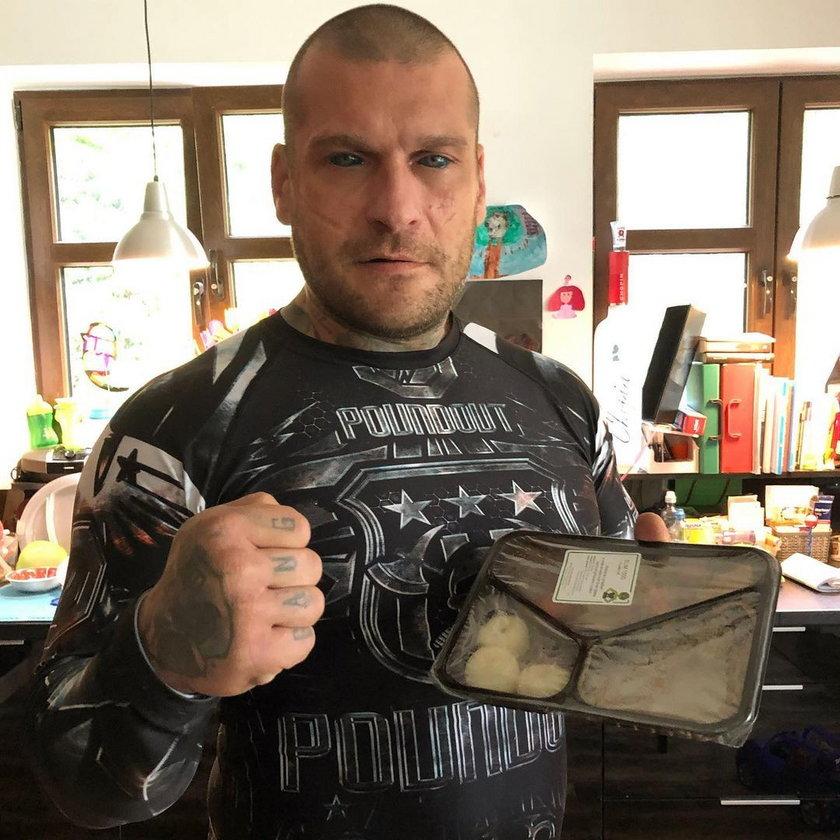 """Aleksandra Gałuszka """"Fanka Popka"""" pozywa tatuażystę. Prawie straciła wzrok"""