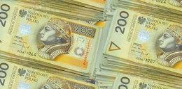 Co Polacy sądzą o rodakach zarabiających 10 tysięcy netto? Zaskakujące wyniki badań