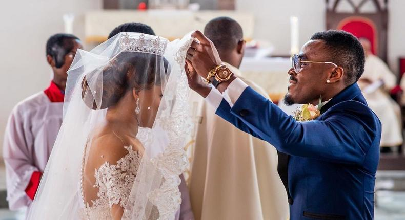 Emmanuel Emenike and his wife Iheoma have been married for four years  (Instagram/Emmanuel Emenike)