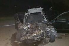 ŠLEPER SMRSKAO AUTOMOBILE Devojka poginula, više povređenih, vatrogasci SATIMA SEKLI AUTOMOBIL da bi došli do tela (VIDEO)