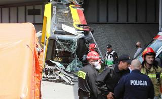 Prokuratura prowadzi śledztwo w sprawie wypadku autobusu na moście Grota-Roweckiego
