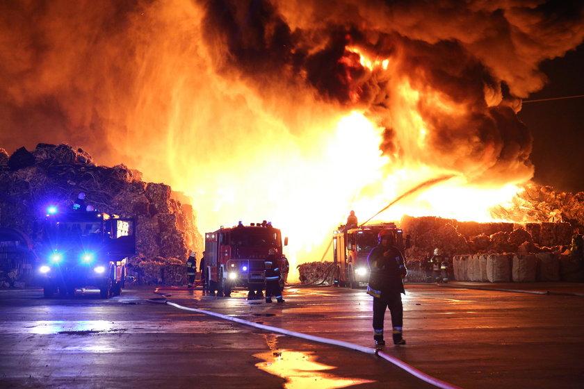 Zgierz, pożar, składowisko, odpady