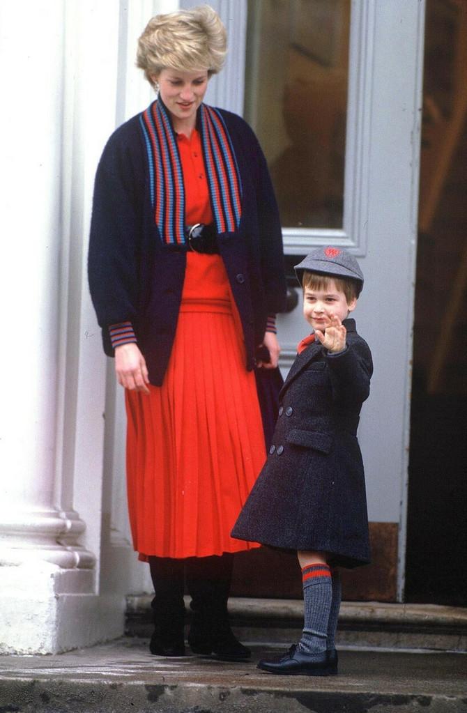 Vilijam sa majkom Dajanom