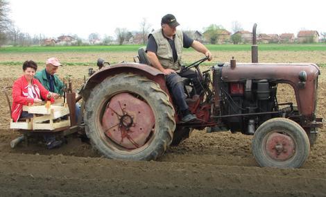 Zoranov traktor  privlači pažnju Lijevčana