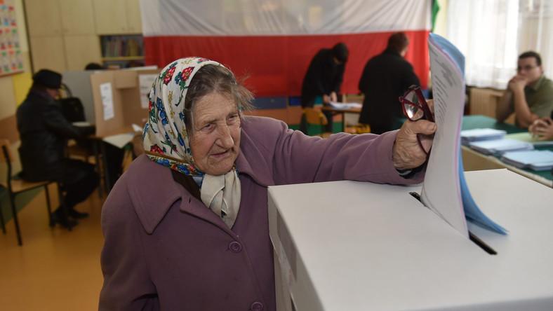 Wybory samorządowe 2014: We Włocławku zabrakło... miejsca w urnach