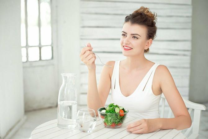Nikako ne pijte vodu tokom jela