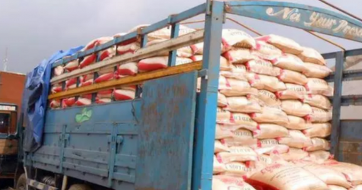 Navy nabs 4 suspected smugglers, seizes foreign rice in Akwa Ibom - Pulse Nigeria
