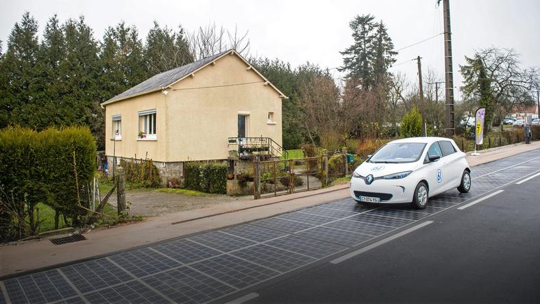 FRANCE ALTERNATIVE ENERGY SOLAR ROAD (Launch of the first world's solar road in France)