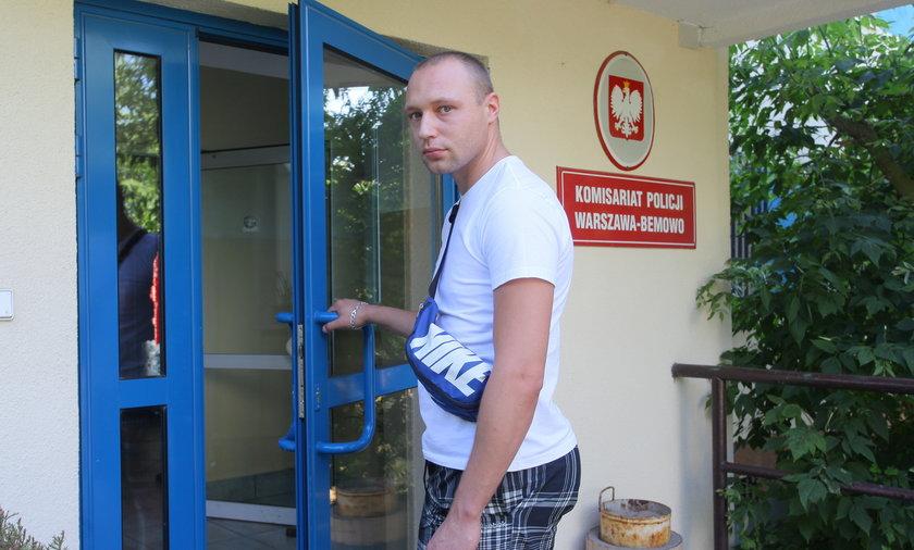 Łukasz Suszka (30 l.) uratował psa z nagrzanego samochodu. Właściciele zgłosili uszkodzenie mienia.