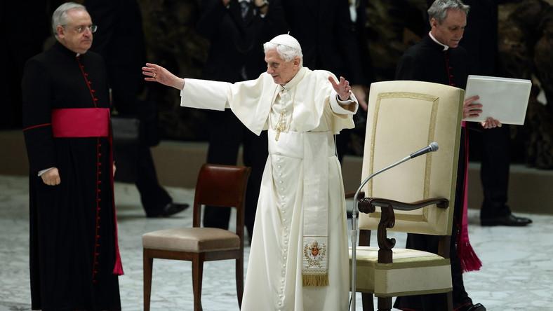 Benedykt XVI spotkał się z wiernymi
