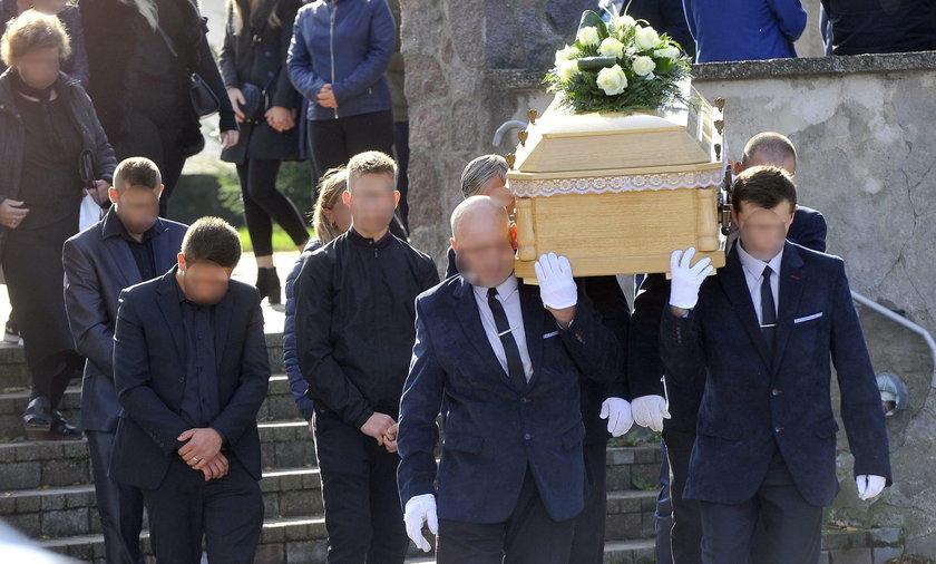 Mama i teściowa zamordowanej Beaty Fiertek (36 l.) razem płakały na jej trumną