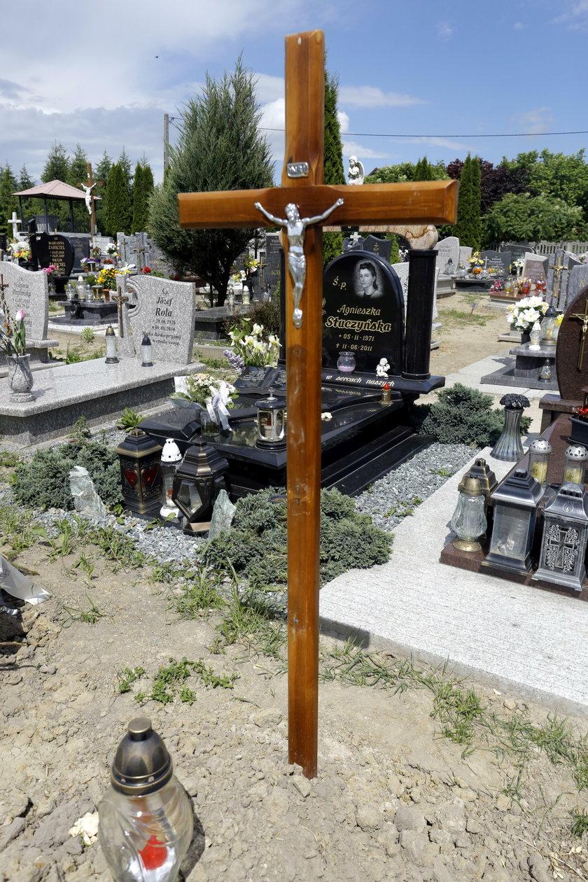Grób Norwega pochowanego przez pomyłkę w Smętowie