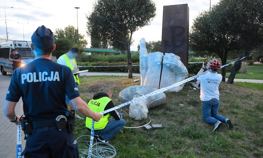 Kto zniszczył pomnik gen. Berlinga? Policja na tropie