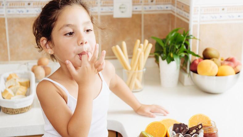 Co powinno jeść dziecko między posiłkami?