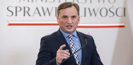 """Zbigniew Ziobro zapowiada zakaz adopcji dzieci przez pary homoseksualne. """"Taki jest głos społeczeństwa"""""""
