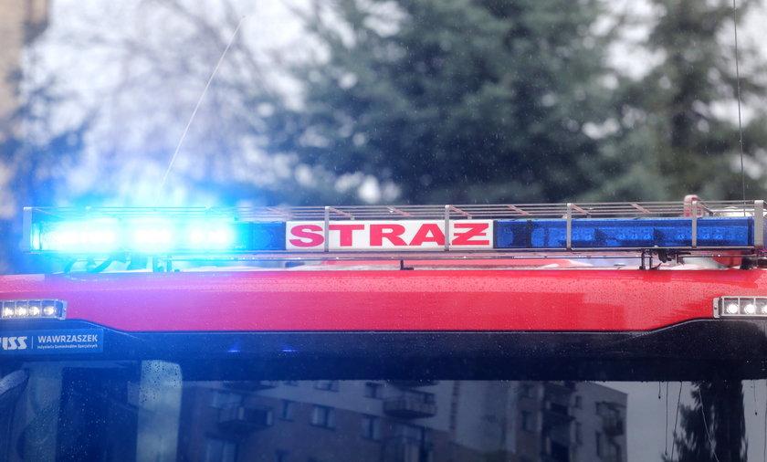 Wóz strażacki zderzył się z osobówką. Są duże utrudnienia!