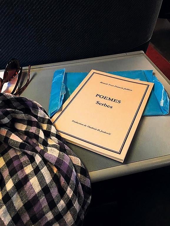 "Benoa Žilijen: ""Poèmes serbes"" (Srpske pesme) Samizdat, Smederevo, 2019. Urednik: Katarina Ješić. S francuskog prepevao: Vladimir D. Janković"