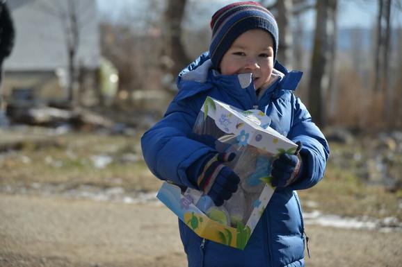 Volonteri su četiri dana delili pomoć bez prestanka, od jutra do moraka