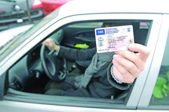 Teško do saobraćajne dozvole