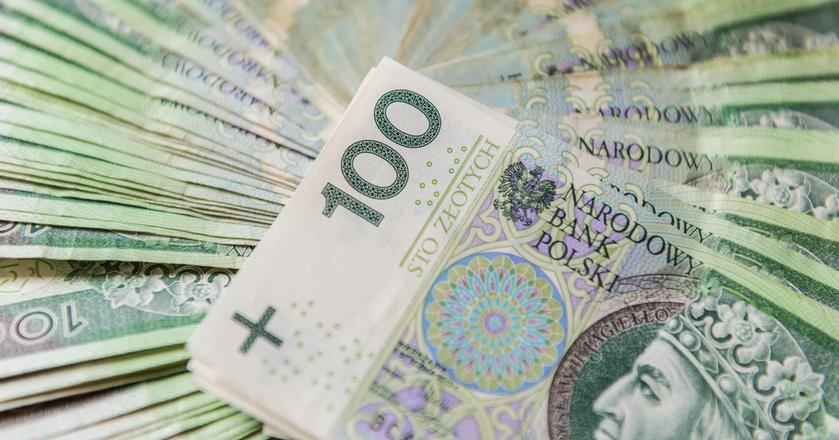 Spółki Skarbu Państwa w tym roku przyznają premie i nagrody, zaspokajając presję na wzrost wynagrodzeń