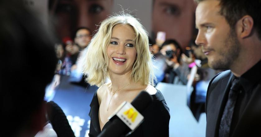 Znana aktorka, Jennifer Lawrence, przyznaje, że jest bałaganiarą, nie stroni też od brzydkich wyrazów. Błytkotliwej inteligencji nie można jej odmówić