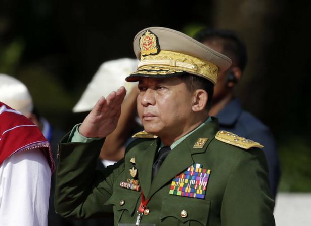 """System musi """"sprzyjać dyscyplinie"""" – uważa gen. Min Aung Hlaing, który dokonał zamachu stanu w Mjanmie."""
