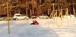 Zabawa na śniegu zamieniła się w koszmar! Młoda matka walczy o życie