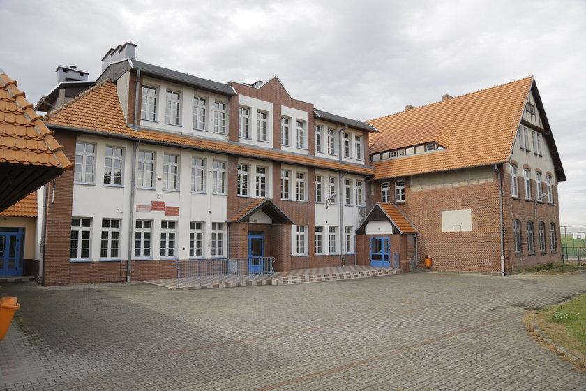 Szkoła w Kuropatniku