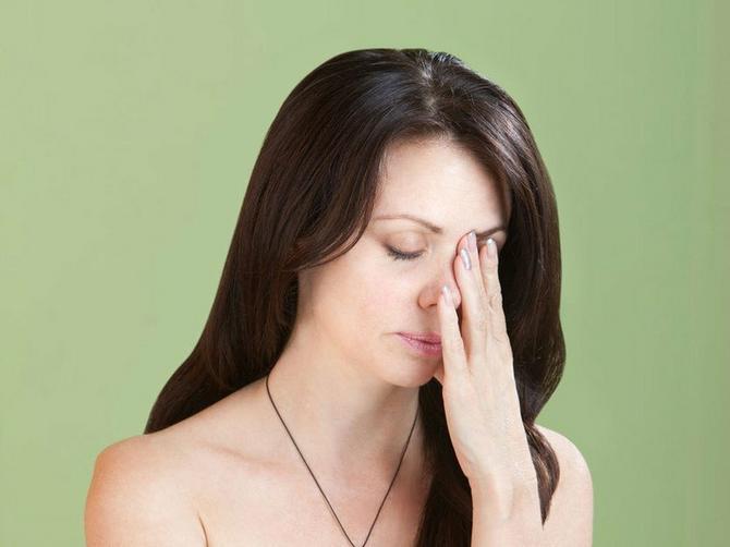 Ova tri problema muče skoro svaku ženu: A za njih postoji potpuno BESPLATAN LEK koji možete da probate još večeras!