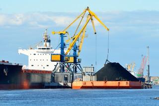 Ceny węgla w portach ARA spadły poniżej 80 dolarów za tonę