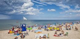 Nad Bałtykiem przybywa turystów... zakażonych koronawirusem
