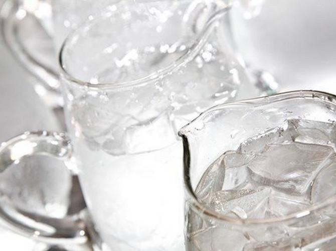 Evo kako RUSI jačaju IMUNITET: Svako veče napravite 48 koraka u lavoru LEDENE vode