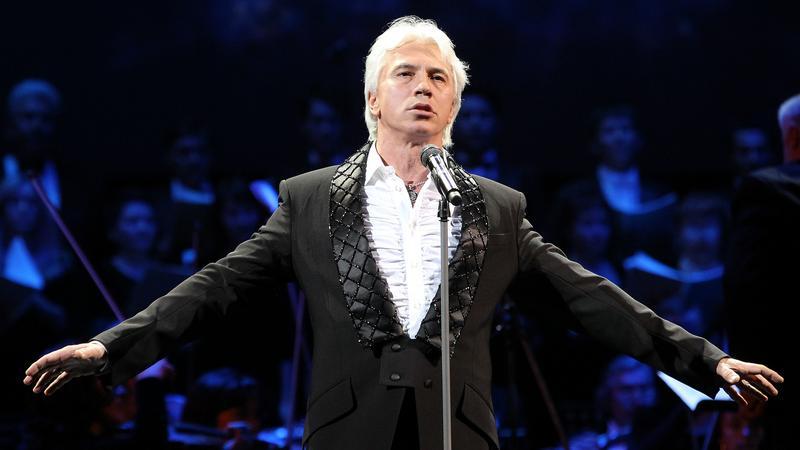 Dmitrij Chworostowski podczas występu w 2011 roku